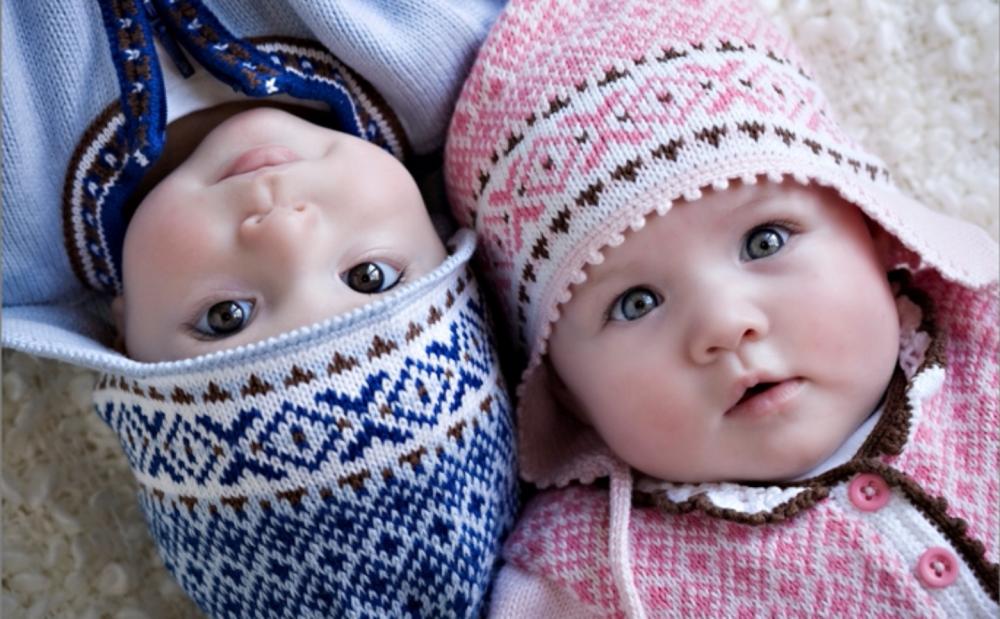 صورة اسماء توام اولاد , اختيار اسم لتوام اولاد