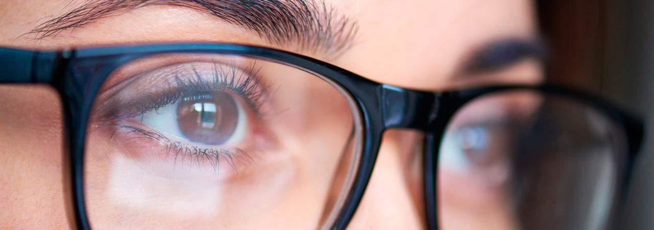 صورة عملية تصحيح النظر , ماهي فوائد واضرار عملية تصحيح النظر؟