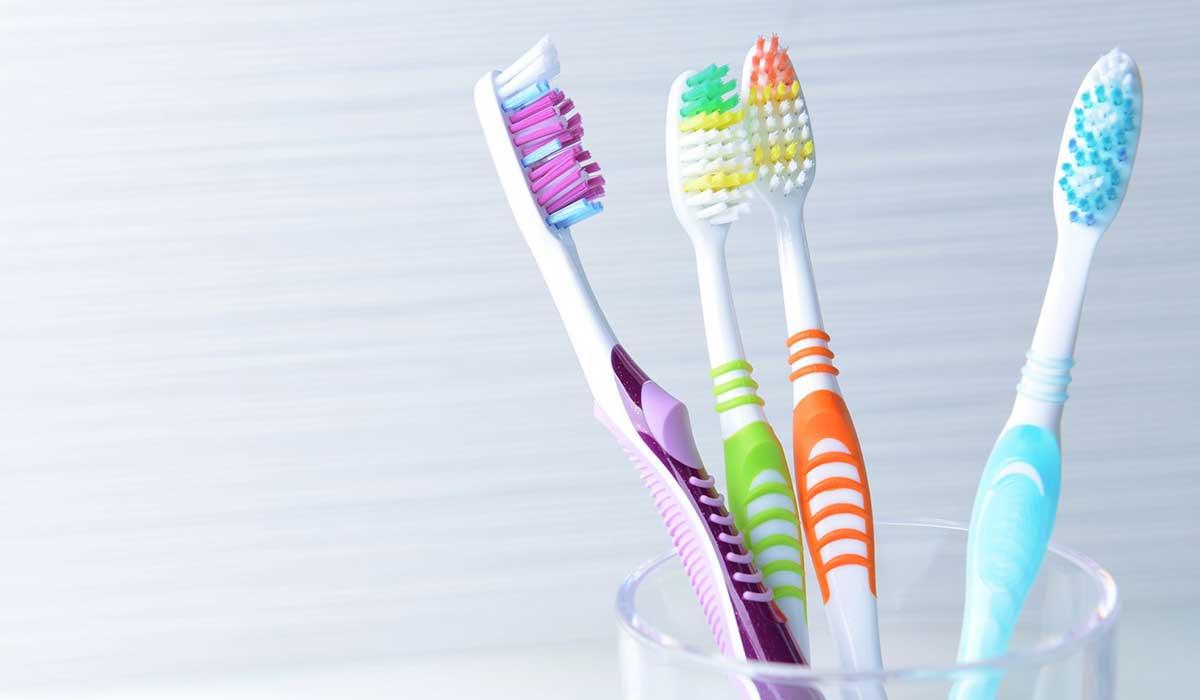 صورة افضل فرشاة اسنان , ماهي افضل فرش للاسنان؟