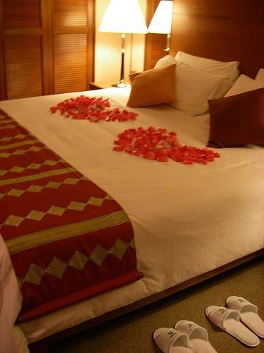 بالصور غرف نوم للعرسان رومانسية , عيش الرومانسية في غرفة نوم لك انت وهي 2967 4