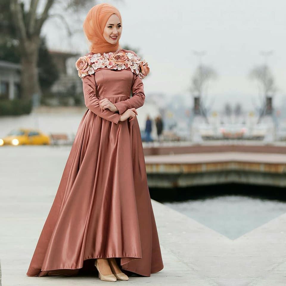 صورة موديلات فساتين سهرة للمحجبات , محتاجه تشكيلة فستان سهره حلو