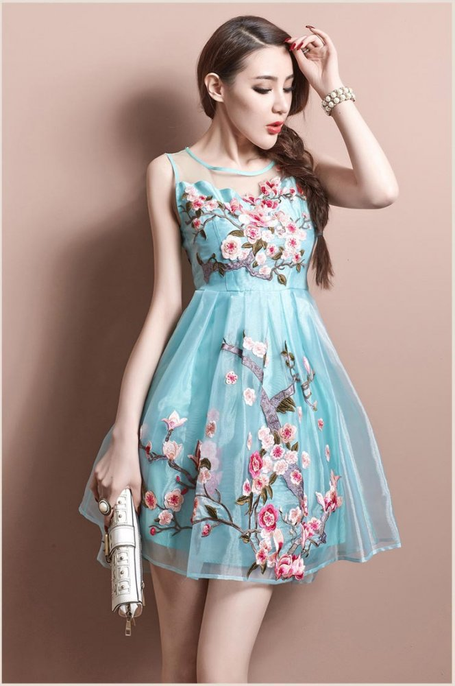بالصور ملابس اعراس للبنات المراهقات , اجمل فساتين سهرة للعروسات الجميلات 3269 1