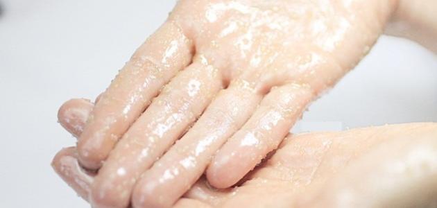 بالصور علاج تقشر جلد اليدين , الحصول علي يدين ناعمة 5235 2