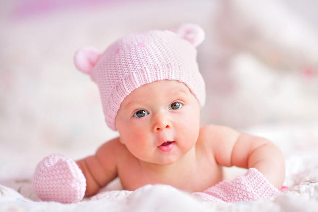 صور تفسير حمل طفلة رضيعة في المنام , رؤية الطفل الرضيع في الحلم