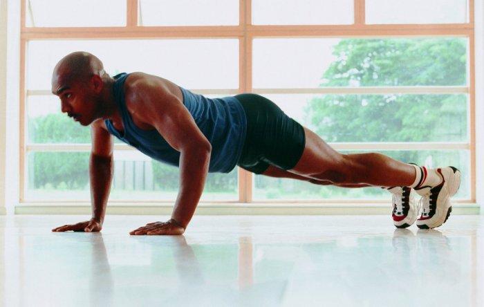 صورة تمرين الضغط للصدر , اهميه تمارين الضغط في تكوين عضلات الصدر