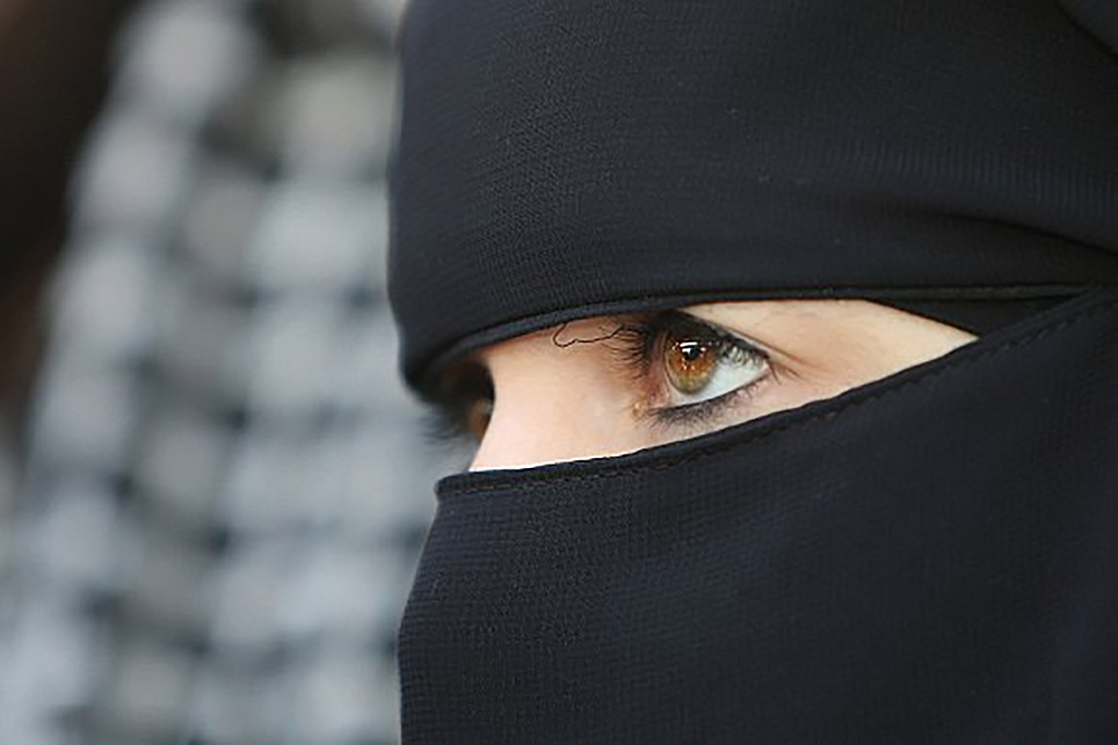 صور بنات منقبات سعوديات , النقاب السعودى للبنات