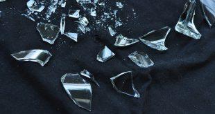 بالصور انكسار الزجاج في المنام , الزجاج المكسور ورؤيته فى الحلم 2409 3 310x165
