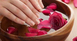 صور ماسك للوجه بماء الورد , ماسك ماء الورد الجميل الذي يعطي بشرتك النضارة له فوائد عده