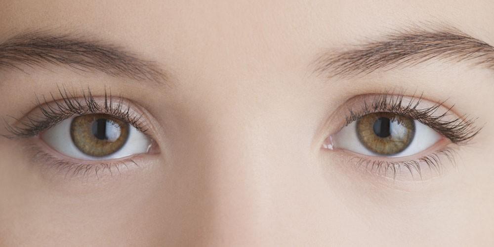 صورة حدقة العين اكبر من الاخرى , تفاوت عند حدقتان العيون يعني عندي حدقه اكبر من التانيه