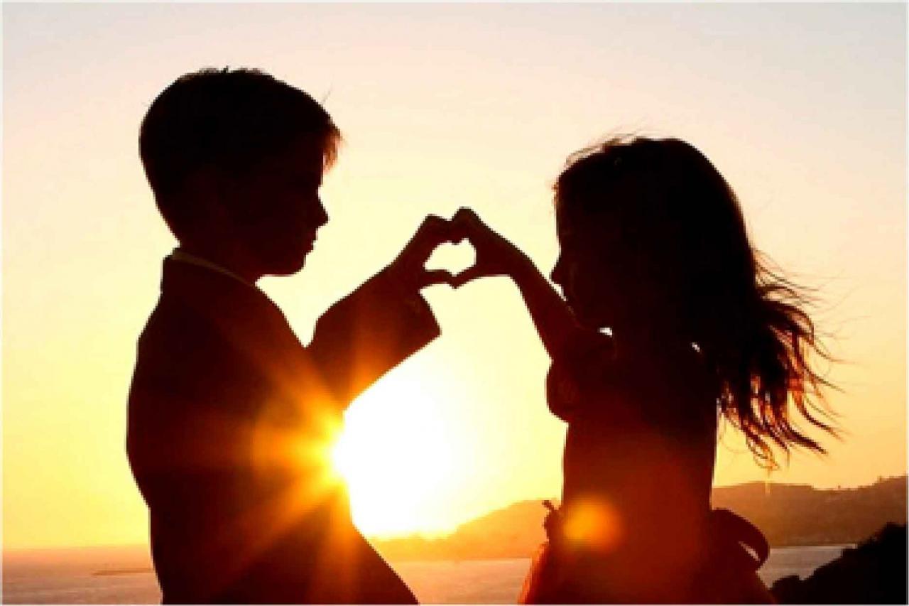 صورة صور الحب الساخن , خلفيات رومانسية بين الاشخاص الحبيبة