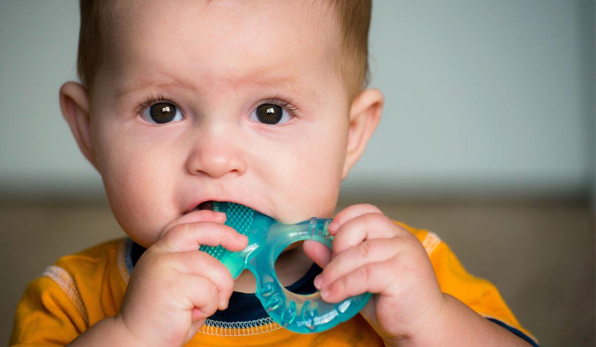 صورة علامات التسنين عند الاطفال , كيفية معرفة الطفل انه يسنن