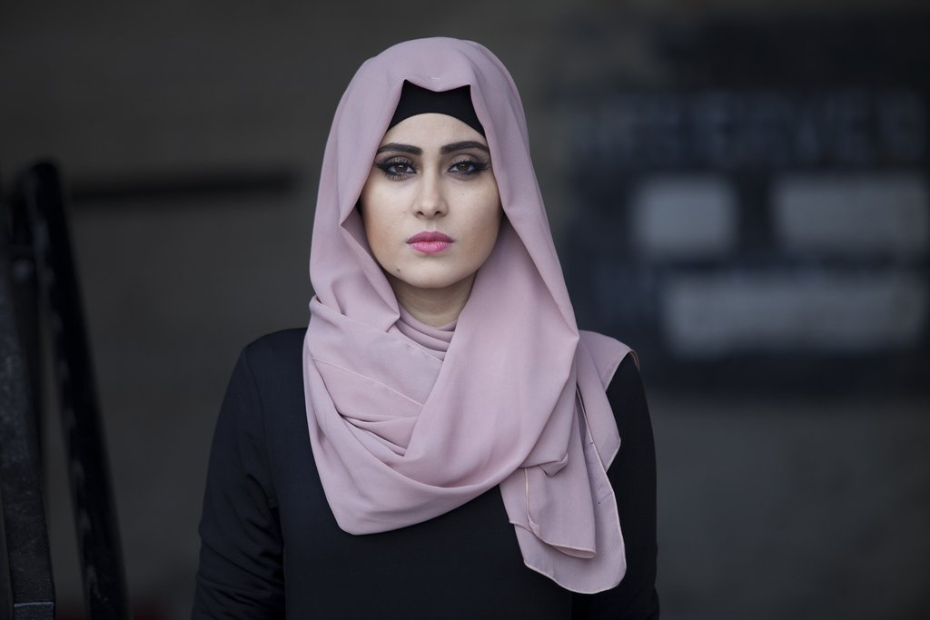بالصور بنات محجبه حزينه , صورة لفتاة حزينة جدا 3385 6