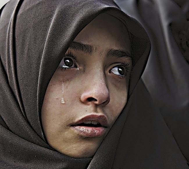 بالصور بنات محجبه حزينه , صورة لفتاة حزينة جدا 3385 8