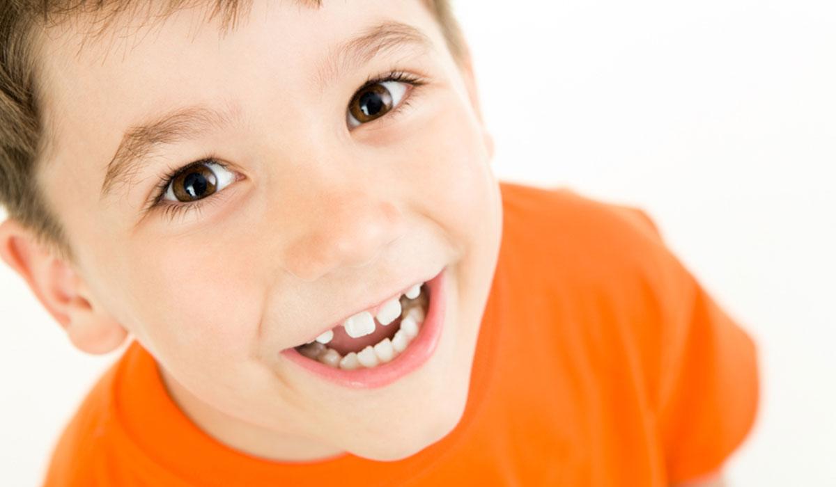 صورة اعراض طلوع الاضراس عند الاطفال , ظهور الاسنان عند المواليد