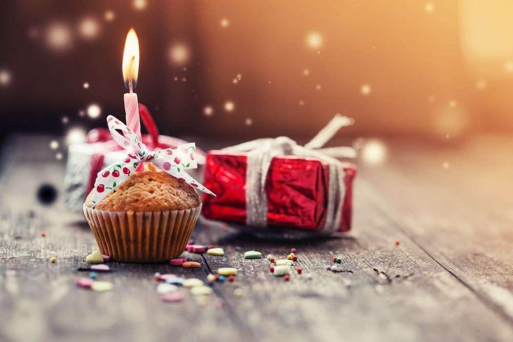بالصور صور تهاني اعياد ميلاد , اجمل خلفيات للمباركة في عيد ميلاد 6303 1
