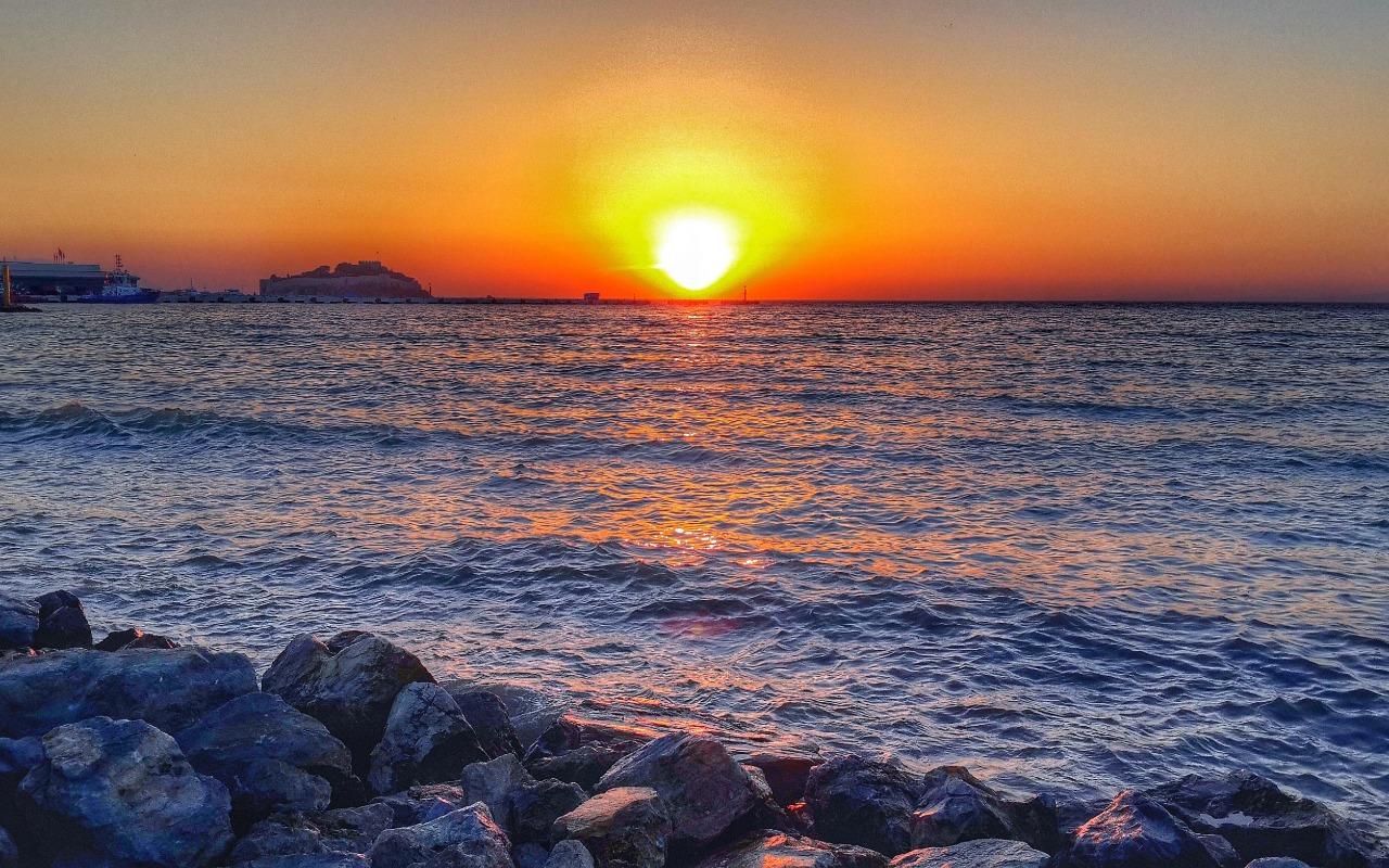 خلفيات غروب الشمس , جمال الغروب بالصور الخلابه