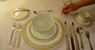 صورة ترتيب مائدة الطعام , رتبى مائدتك بشكل لائق