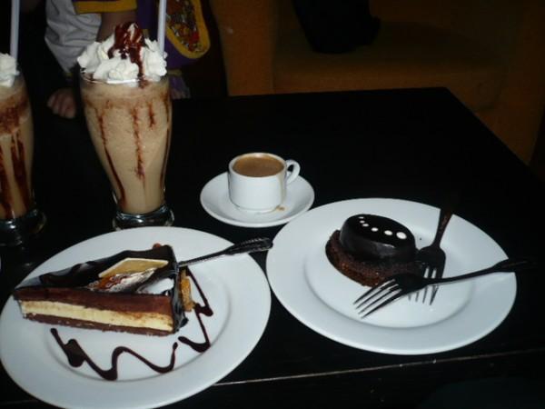 صورة صور حلا وقهوه , احلي قهوة وحلي في صور جديده