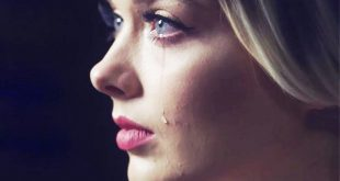 صورة صور بنت بتعيط , فتايات تبكي في صور حزينه جدا