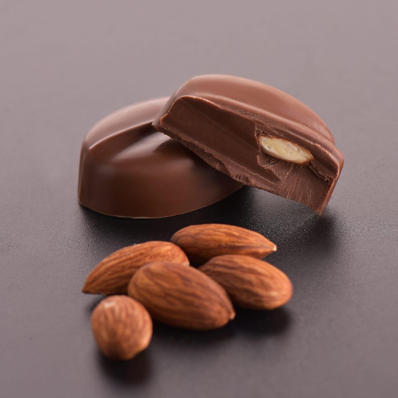 صورة جديد حلويات اللوز , طريقة جديدة و رائعة لحلوى اللوز
