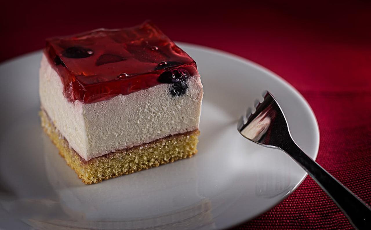 صورة حلويات بالبسكويت سهلة التحضير , حلوى البسكوت اللذيذة