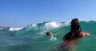 صورة فتيات في البحر , البنات واستعدادتهم للبحر